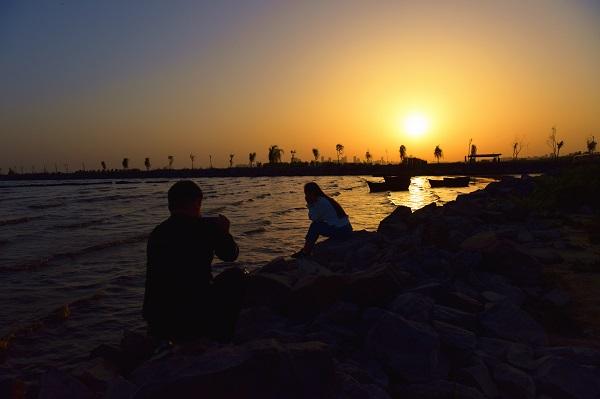 湿地夕阳美如画